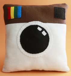 Liz Makes: Liz makes an Instagram pillow