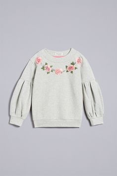 Discover the new collection of women's clothing in the official TWINSET Milano store. A selection of exclusive items: clothes, dresses, underwear, bags and shoes. Girls Fashion Clothes, Kids Fashion, Baby Girl Jackets, Baby Boutique Clothing, Pajamas Women, Little Girl Dresses, Look Fashion, Baby Dress, Boy Outfits