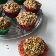 These oaty diabetes friendly muffins use wholemeal flour as their base to lower their glycaemic index, yet they are very light in texture. Chocolate Slice, Healthy Chocolate, Healthy Baking, Healthy Snacks, Lunch Snacks, Healthy Sweets, Cinnamon Crumble, Anzac Biscuits, Baking Muffins
