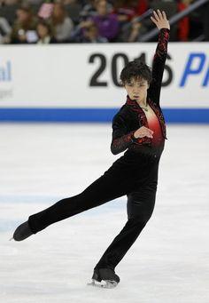 フィギュアスケートのグランプリ(GP)シリーズ第1戦、スケートアメリカの男子フリーで演技する宇野昌磨=米シカゴ