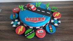 Cars taart met cupcakes / Cars cake with cupcakes