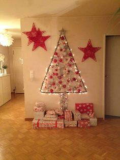 Wall Christmas Tree Ideas that you can Make in No time - Ethinify Cardboard Christmas Tree, Wall Christmas Tree, Christmas Window Decorations, Unique Christmas Trees, Alternative Christmas Tree, Noel Christmas, Simple Christmas, Xmas Tree, Christmas Inspiration