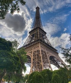 20 Amazing HDR Travel Images From Around the Globe3. Eiffel Tower. Paris. France.
