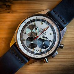 1969 Zenith A386 featuring the earliest El Primero caliber :: hodinkee