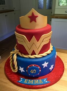 Wonder Woman cake 35th Birthday Cakes, 23rd Birthday, Baby Birthday, Birthday Party Themes, Wonder Woman Birthday Cake, Wonder Woman Cake, Wonder Woman Party, Anniversaire Wonder Woman, Princesa Sophia