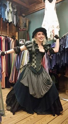 Max 2 Bodice, Puff Top, V-dip Skirt, Sufi skirt Renaissance Fair Costume, Renaissance Costume, Medieval Costume, Medieval Dress, Steampunk Clothing, Steampunk Fashion, Boho Fashion, Fantasy Costumes, Historical Clothing
