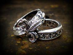 #ONLINESHOP ≫≫≫ www.schmuck-reichenberger.de ≫≫≫ FACEBOOK ≫≫≫ www.facebook.com/schmuck.reichenberger ✦✦✦  ►►► #elfcraft #ringcandy #ringparty #rings #lilie #believeinyourdreams #sterlingsilver #splendidrock #addictedtorock #rockjewelry #handcrafted #jewelry #schmuck #uhren #burghausen #ThePlace2Be #jewelryporn