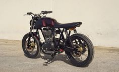 Royal Enfield Continental GT Brat Style by Chris Zahner #motorcycles #bratstyle #motos | caferacerpasion.com