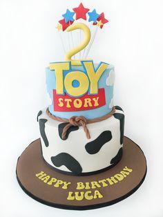 Bolo Toy Story +de 70 Ideias de Bolo Super Divertidos #BoloToyStory #Bolo #ToyStory #BoloDecorado #FestaToyStory Bolos Toy Story, Festa Toy Story, Toy Story Cakes, Birthday Cake, Birthday Ideas, Cupcakes, Toys, Desserts, Party Ideas