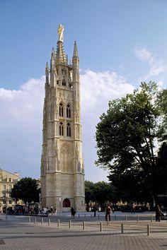 Tour Pey Berland (XVe siècle), le clocher séparé de la Cathédrale Saint-André. Bordeaux. Aquitaine Aquitaine, Beau Site, Medieval, Christian World, France Europe, Place Of Worship, Places Ive Been, Beautiful Places, Places To Visit