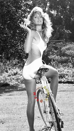 Farrah Fawcett, poster icon of the Fawcett Beautiful Celebrities, Beautiful Actresses, Beautiful Women, Gina Lollobrigida, Brigitte Bardot, Classic Actresses, Actors & Actresses, Vintage Hollywood, Classic Hollywood