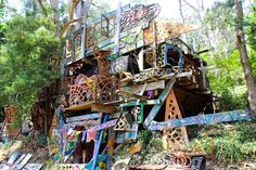 Stumbled upon this little gem just before Warburton town, worth checking out if you're in the area! — at Boinga Bobs; Boinga Bob's treehouse temple in Warburton, Victoria, Australia.