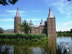 Here are 14 of the most beautiful castles in the Netherlands from Castle de Haar to the ruins of Brederode and more for the best day out. Castle Ruins, Medieval Castle, Beautiful Castles, Most Beautiful, Walking Routes, Group Tours, 14th Century, Days Out, Us Travel