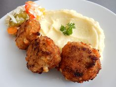Výborný a jednoduchý recept na karbanátky se sýrem Tandoori Chicken, Mashed Potatoes, Cauliflower, Food And Drink, Treats, Dinner, Vegetables, Cooking, Ethnic Recipes