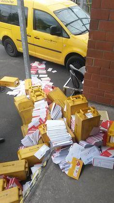 Tach Post.