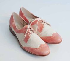 Vintage sweet pink cream two toned Oxford shoes