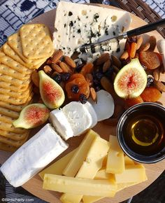 Our Quick & Easy End of Summer Patio Party ideas, a grazing charcuterie board and simple decor for a last-minute party and seasonal celebration! Quick Appetizers, Appetizers For Party, Grazing Tables, Fun Cocktails, Drinks, Seasonal Celebration, Party Snacks, Party Party, Other Recipes