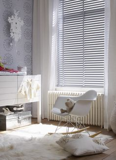 grey and white eames rocker nursery Eames Rocker, Eames Rocking Chair, Baby Bedroom, Nursery Room, Kids Bedroom, White Nursery, Baby Nursery Wallpaper, Gray Wallpaper, Cute Blankets