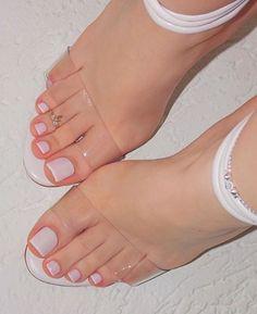 Pedicure Designs Simple Wedding Toes Ideas For 2019 Pretty Toe Nails, Cute Toe Nails, Cute Toes, Pretty Toes, Toe Nail Color, Toe Nail Art, Nail Colors, Red Nail, Nail Nail