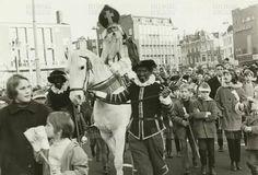 Intocht Sinterklaas 1970  Groningen Grote Markt