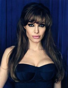 Never been a big fan of hers but she is stunning in this picture Angelina Jolie