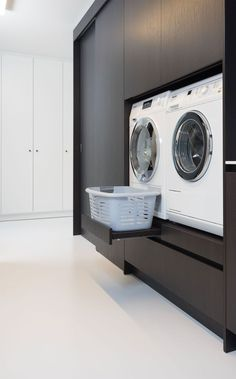 Modern Laundry Rooms, Laundry Room Layouts, Mudroom Laundry Room, Laundry Room Remodel, Laundry Room Organization, Utility Room Designs, Laundry Room Inspiration, Laundry Room Design, Küchen Design