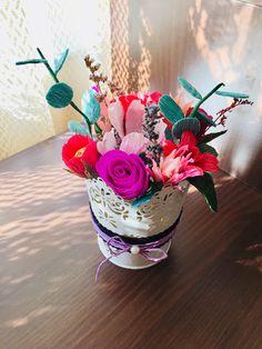 #paperflowers Paper Flowers, Flower Arrangements, Table Decorations, Home Decor, Floral Arrangements, Decoration Home, Interior Design, Home Interior Design, Flower Arrangement