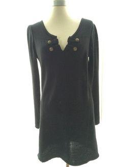 À vendre sur #vintedfrance ! http://www.vinted.fr/mode-femmes/robes-casual/23634488-robe-pull-col-v-noir
