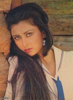 Beautiful Bollywood Actress, Most Beautiful Indian Actress, Beautiful Actresses, 80s Actresses, Indian Actresses, Aishwarya Rai Makeup, Poonam Dhillon, Beautiful Heroine, Bollywood Cinema