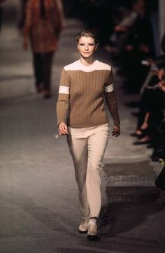 Dries Van Noten - Ready-to-Wear - Runway Collection - Women  Fall / Winter 1996