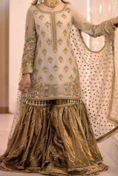 Simple Pakistani Dresses, Pakistani Party Wear Dresses, Nikkah Dress, Shadi Dresses, Pakistani Wedding Outfits, Pakistani Dress Design, Pakistani Wedding Dresses, Indian Dresses, Fancy Dress Design