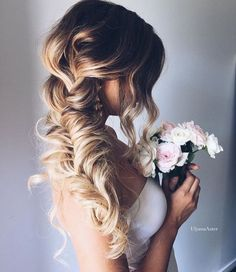 This wedding hair could not get anymore perfect.