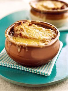 I LIVE for french onion soup... mmm I would love some right about now.