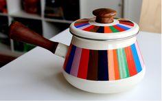 8. prettiest fondue pot i've ever seen. via bleubirdvintage
