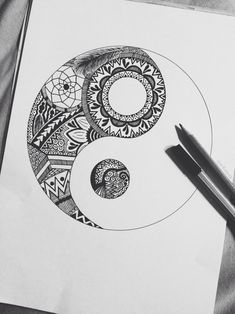 Yin yang and zentangle Hipster Drawings, Easy Drawings, Doodle Drawings, Girl Drawings, Cool Drawings Tumblr, Cute Drawings Of Love, Sharpie Drawings, Flower Drawings, Drawing Flowers