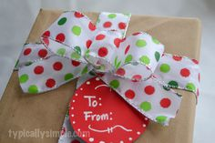 A step by step tutorial for making simple gift bows out of ribbon.