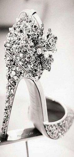 42 New Ideas for diy wedding shoes bling pumps Hot Shoes, Crazy Shoes, Me Too Shoes, Pumps, Stilettos, Pretty Shoes, Beautiful Shoes, Gorgeous Heels, Zapatos Shoes