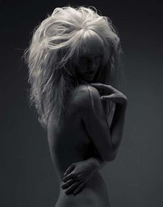 Mega Mane Photography - Fred Fraser & Liz Dungate Create Giant Black and White Hair Images (GALLERY)