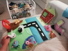 Almost finished 👩🌾🍁❤️ :  Create a safe playing field for kids or cats :) made mainly with felt #farm #animals #felt #diy #learning #playing #colours
