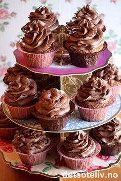 Sjokolademuffins med sjokoladekrem (Sjokoladecupcakes) | Det søte liv