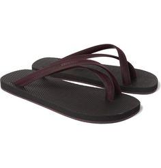#47 - Une paire de tongs. Tellement plus pratique pour aller à la plage ou tout simplement mieux supporter la chaleur !