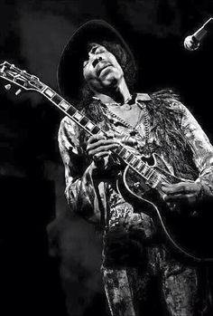 Hendrix with a Les Paul