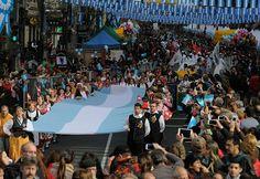 Perfil.com | Fotogaleria | Una multitud festeja la vigilia del Bicentenario en todo el país | Foto 16