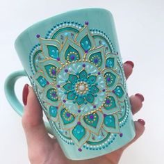 teal/turquoise/gold mandala mug! Dot Art Painting, Ceramic Painting, Ceramic Art, Mandala Art, Mandala Painting, Painted Coffee Mugs, Painted Cups, Pottery Painting Designs, Mug Art