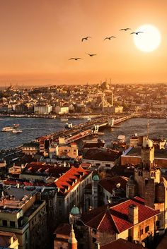 Stunning sunrise view of Istanbul, Turkey