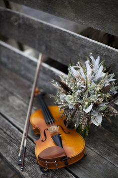 Piano and violin are the most beautiful instruments together. Sound Of Music, Music Is Life, Musica Celestial, Color Splash, Color Pop, Colour, Violin Photography, Wedding Photography, Violin Music