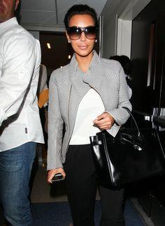 Kim Kardashian - Kim And Khloe Kardashian Take Flight With Mom Out Of LA