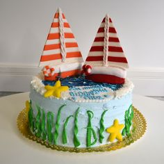 This boats cake is perfect to celebrate your kid's birthday in the summer. It has two elegant colorful boats, water, starfish and algae. Boat Cake, Mocca, Starfish, Birthday Cakes, Making Ideas, Children, Kids, Boats, Food Ideas