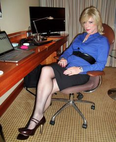 https://flic.kr/p/pRyLGo | Office girl in blue | Ready for your dictation - but be careful what you ask for...