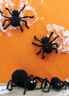 Free Halloween Spiders Crochet Pattern
